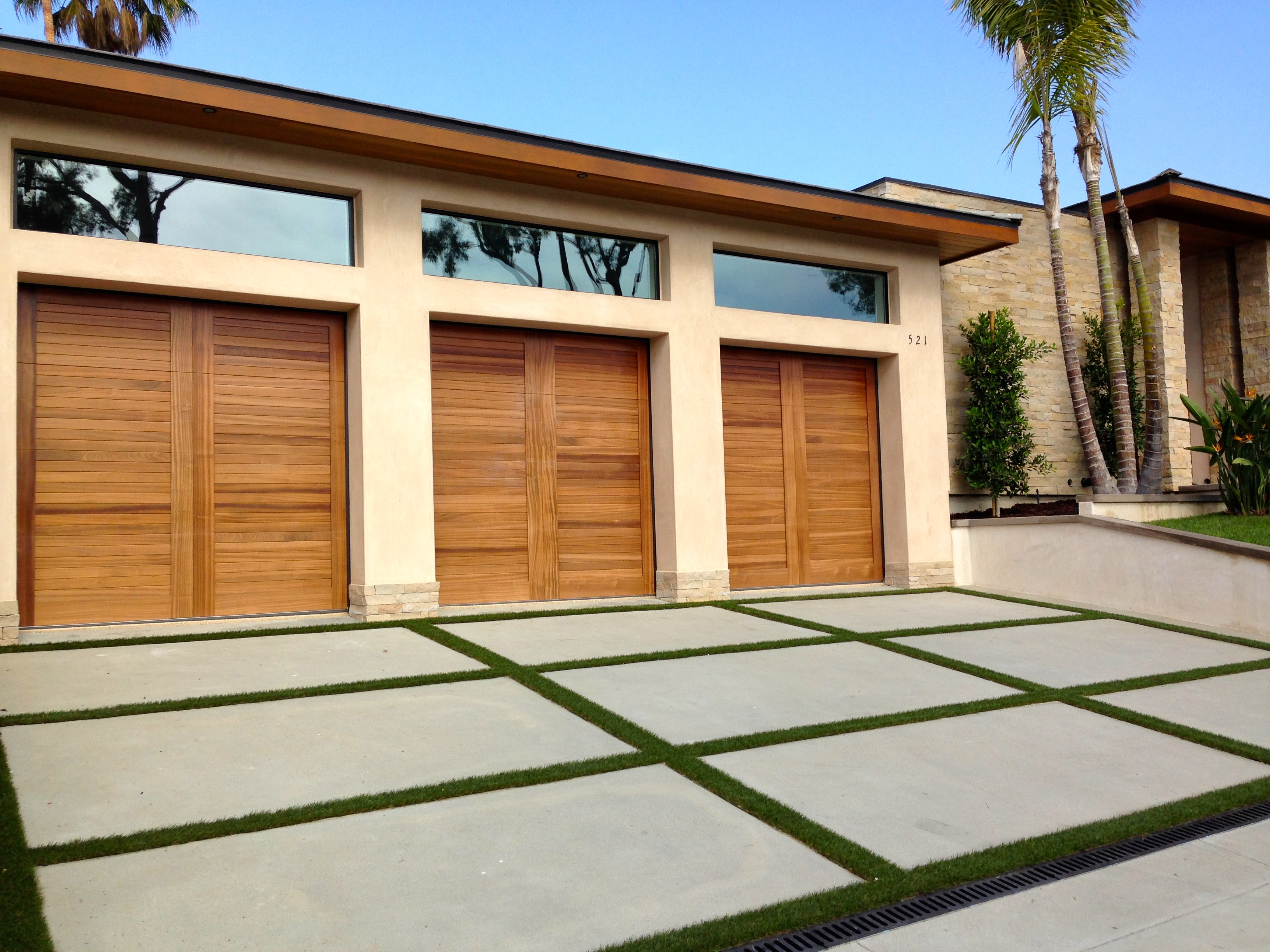 Custom-Wood-Garage-Doors