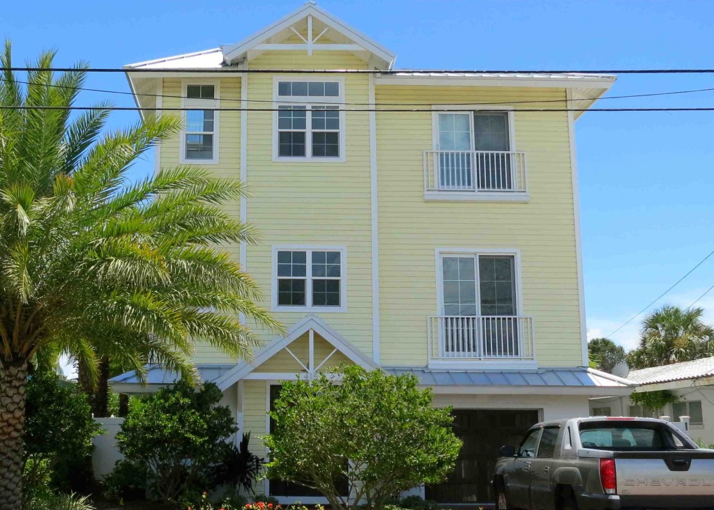 Front - new waterfront home - custom homes Joe Angeleri