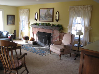 Joe Angeleri - Historic 1790 Greek Revival retoration -family room