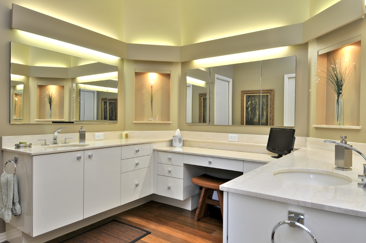 Joe Angeleri - Harbor Acres master bath